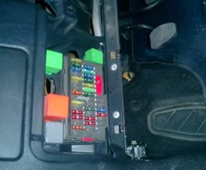 Relais-interrupteur de clignotant Peugeot 106