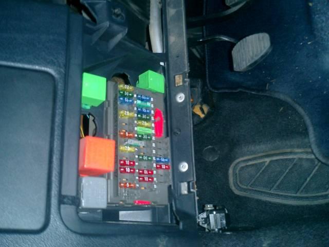 Photo Relais Interrupteur De Clignotant Peugeot 106