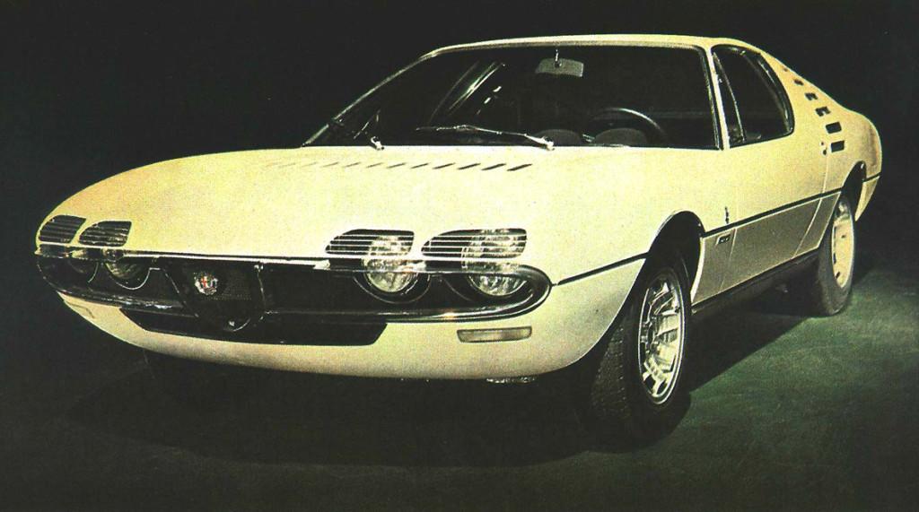 Tuyau de depression Alfa Romeo Montreal